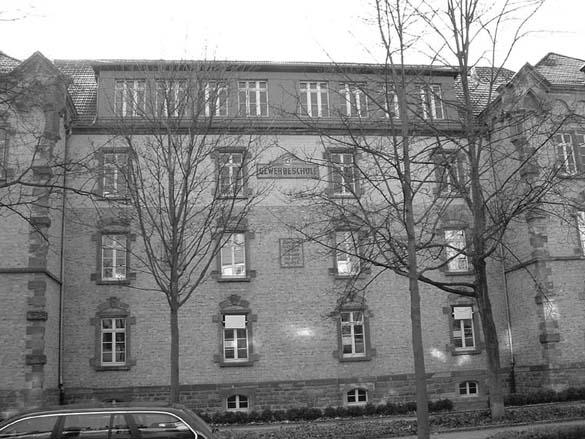 Aufnahme der alten Gewerbeschule in der Weingartenstraße